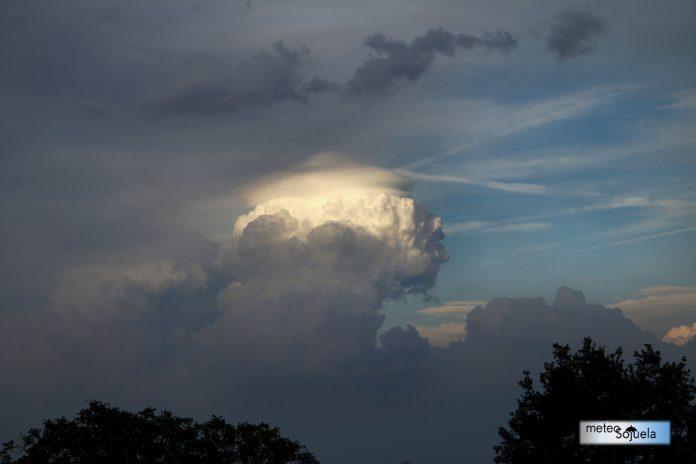 IMG_9716origret1300conIMG_9716origret13002con pileus,nubes,josecalvo,meteosojuela