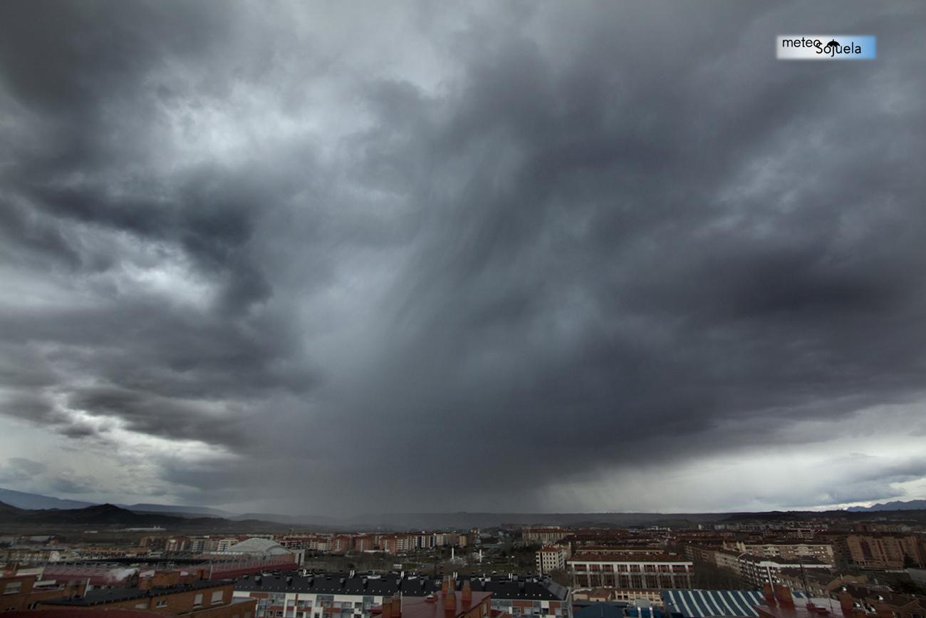 Cortinas de precipitación. MeteosojuelaIMG_1716origret1300CON