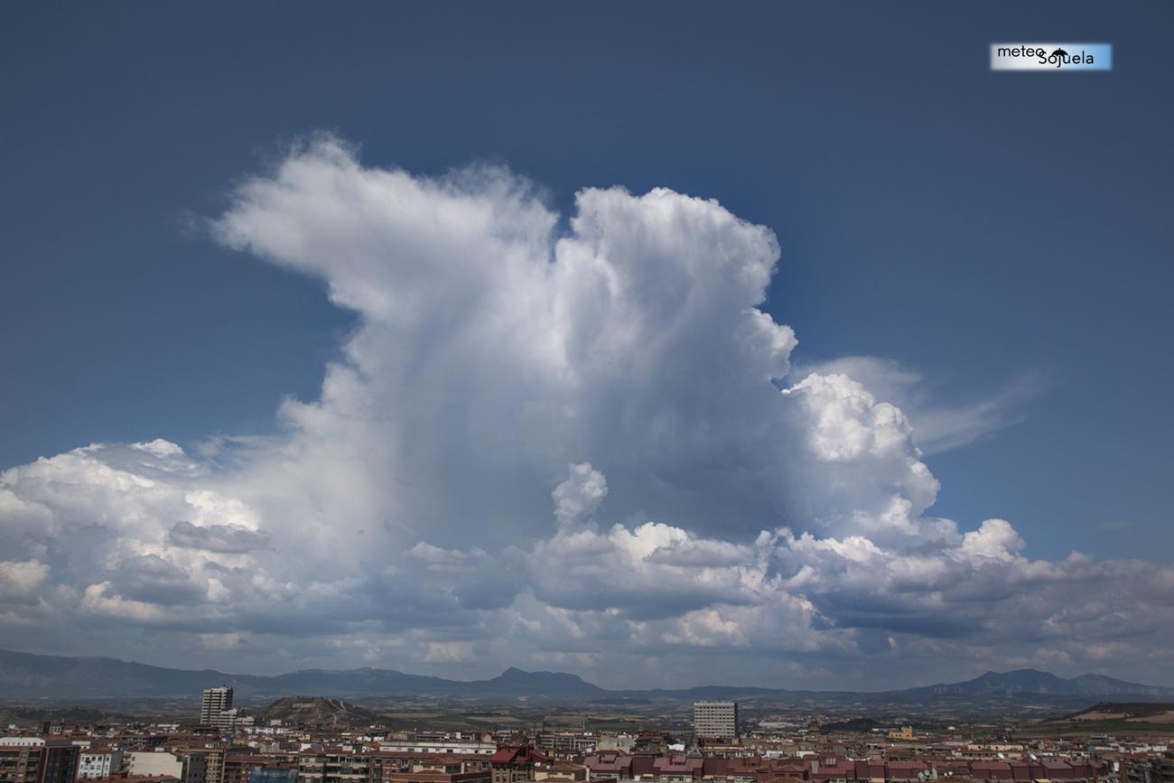 Cumulonimbus. MeteosojuelaIMG_2354orig1300con