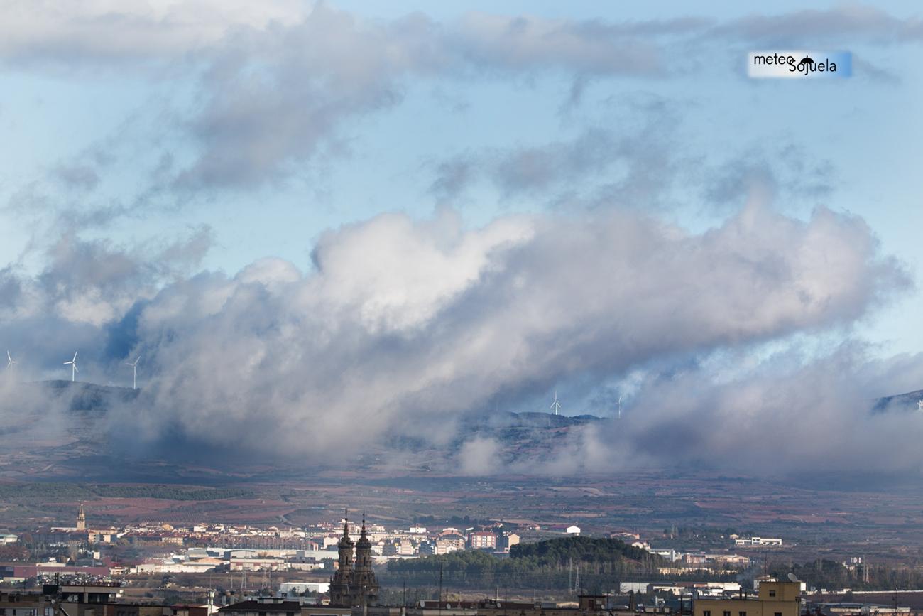 Nubes Estratos Meteosojuela La RiojaIMG_1480.jpgORIG.jpg1300con