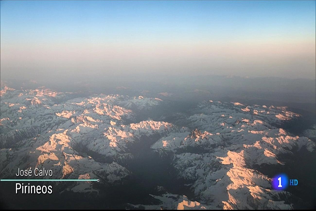 Sobrevolando el Pirineo. El Tiempo de TVE1. Meteosojuela