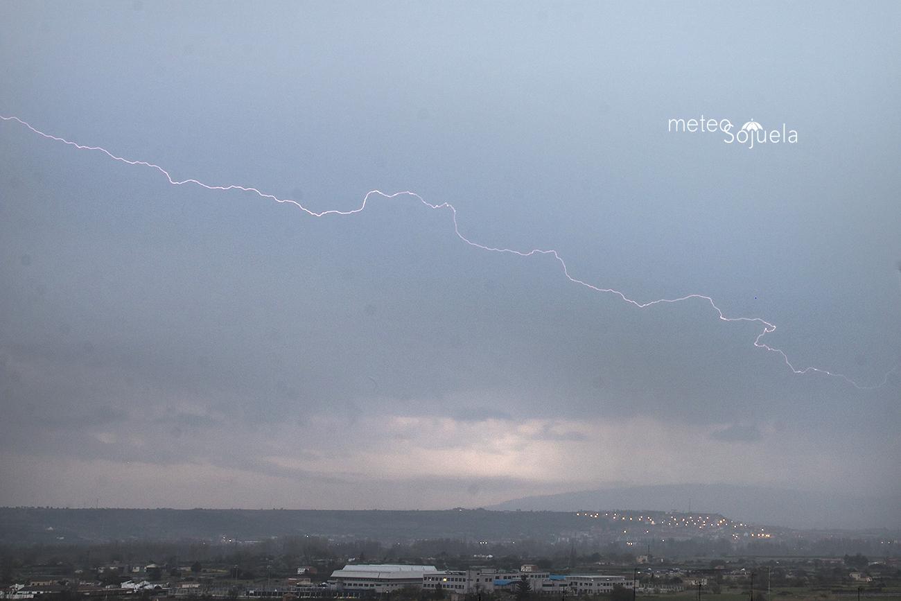 Rayos tormenta meteosojuela 0503 IMG_8150 orig 1300 con