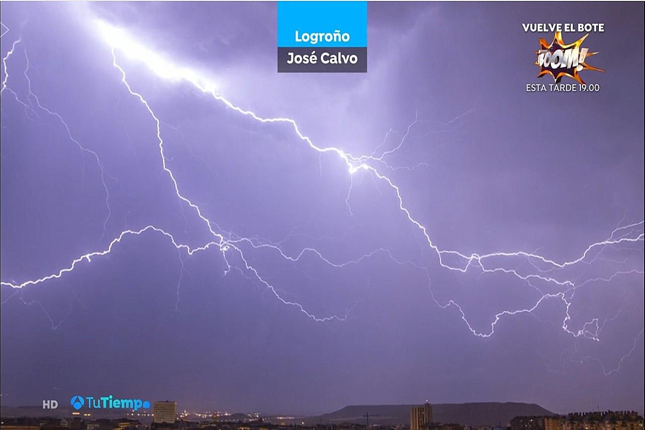 Rayos en Logroño. Tu Tiempo A3. 0306 Meteosojuela