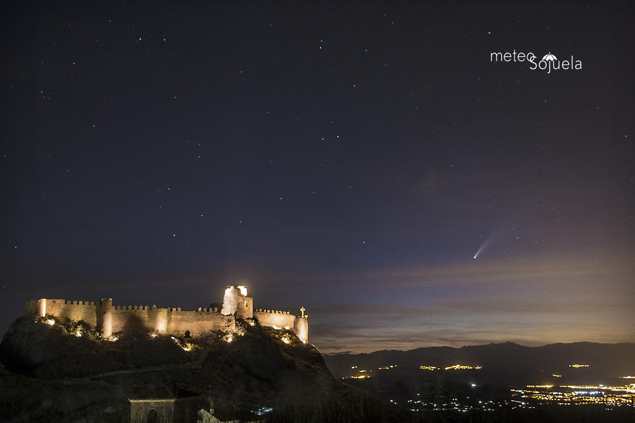 cometa IMG_9533 orig castillo 1300 con